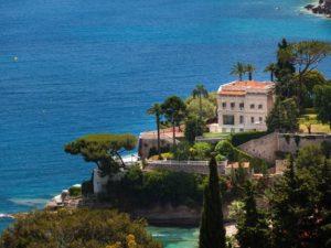 Дом во Франции на берегу моря