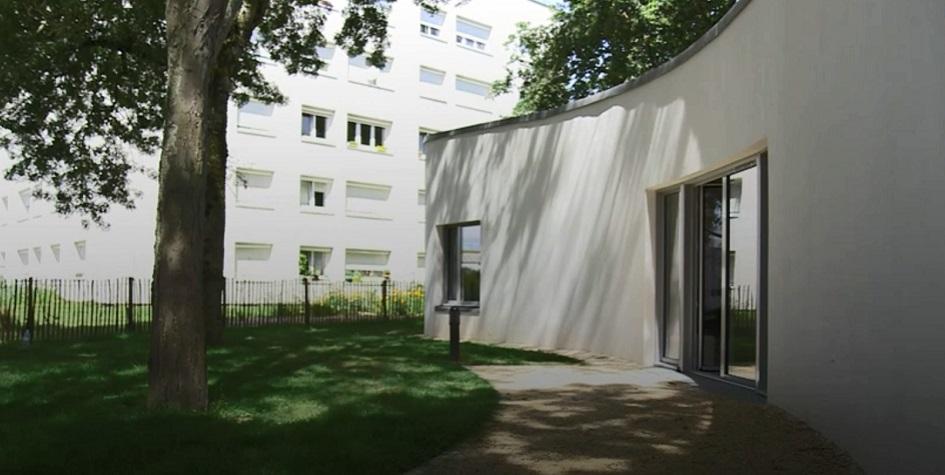 Французская семья заселилась в напечатанный дом